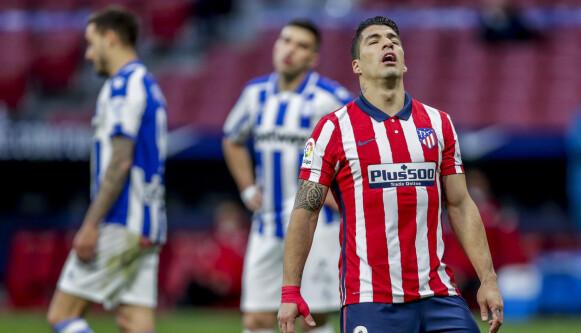 FJELLVEGGEN: Atlético Madrid og Luis Suárez sliter med å få ting til å stemme. Foto: AP Photo/Manu Fernandez