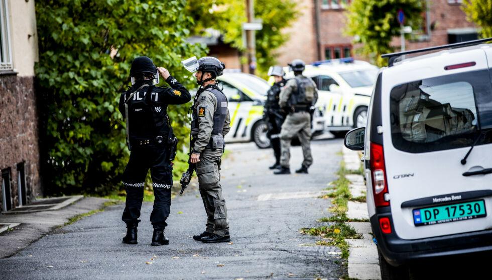 POLITIAKSJON: Det ble iverksatt en massiv politiaksjon, der politiet avfyrte en rekke skudd. Foto: Christian Roth Christensen / Dagbladet