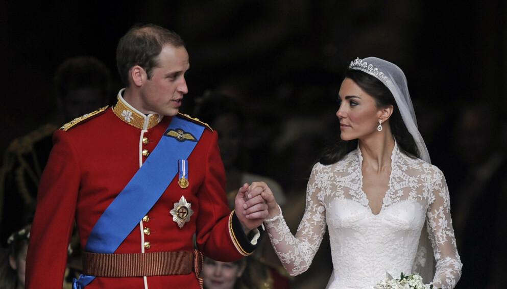 GIFT: 29. april for ti år siden ble William og Kate ektefeller. Nå avslører brudeparets konditor hva som skjedde bak lukkede dører. Foto: Martin Meissner / AP Photo / NTB