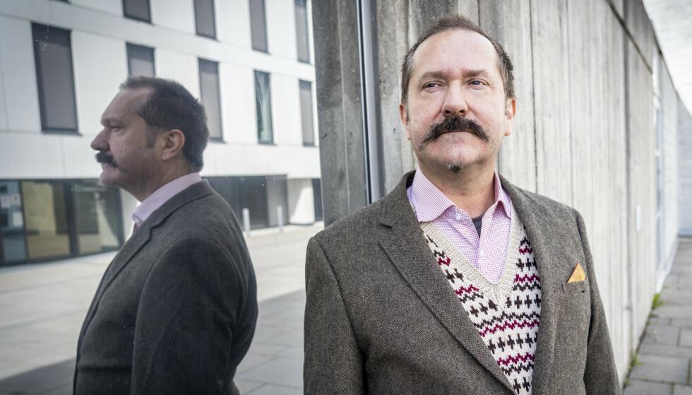 - HEL VED: Forfatter og skeptiker John Færseth gir Gaarder attesten «hel ved», selv om de to sto svært langt fra hverandre på idéplanet. Foto: Ole Berg-Rusten / NTB