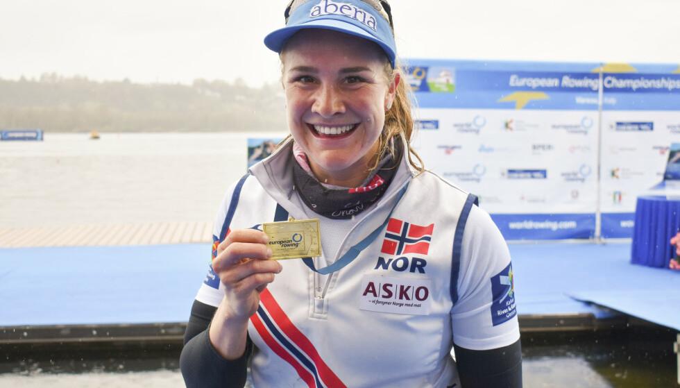 EM-GULL:. Birgit Skarstein var klart best i italienske Varese og sikret EM-gullet i singelsculler under europamesterskapet i roing. Foto: Estela Reinoso / NTB