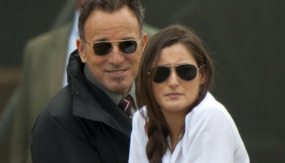 PÅ RIDESTEVNE: Bruce Springsteen og datteren Jessica sammen på et ridestevne. Nå skal hun ri for Bjørn Rune Gjelstens lag. Foto: REX