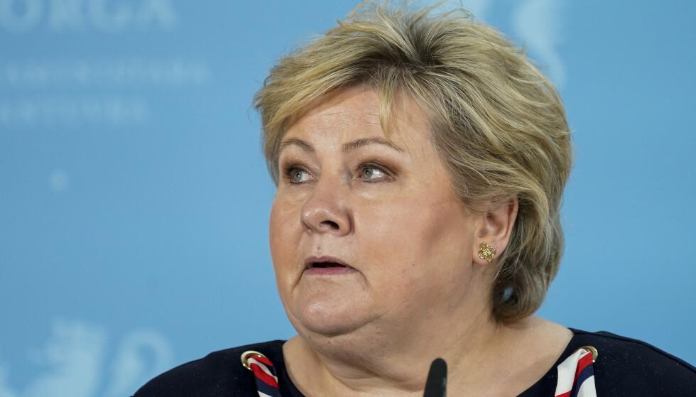 Oslo 20210413.  Statsminister Erna Solberg (H) under en pressekonferanse om koronasituasjonen. Foto: Torstein Bøe / NTB