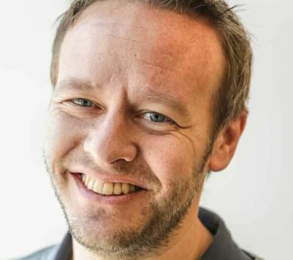 TIL UNGDOMMEN: - Jeg gir gladelig fra meg sprøyta til en festglad 18-åring, sier Christopher Sjuve, matredaktør i Dagbladet. Foto: Dagbladet