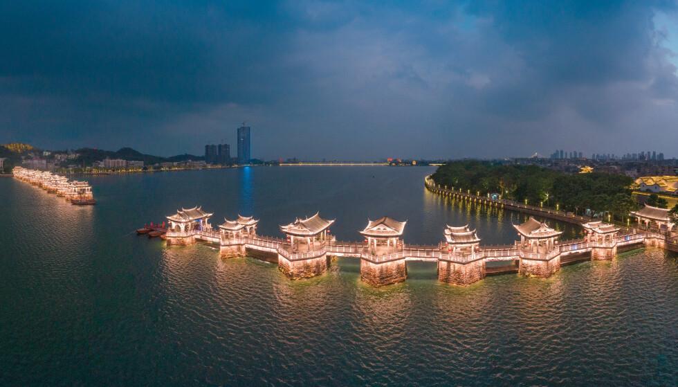BRUTAL SAK: Gravleggingssaken har skapt store overskrifter i Kina. Her fra byen Chaozhou i Guangdong-provinsen. Foto: NTB Scanpix