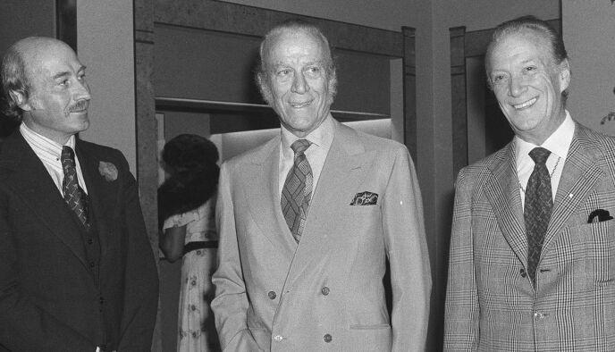 ORIGINALE GUCCI: Fra venstre: Paolo Gucci, Aldo Gucci og Rodolfo Gucci under åpningen av en London-filial i 1977. Foto: NTB