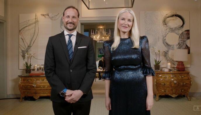 SKAUGUM: Kronprinsparet dukker opp i kveldens Spellemann, der de blant annet skal dele ut en pris. Foto: NRK