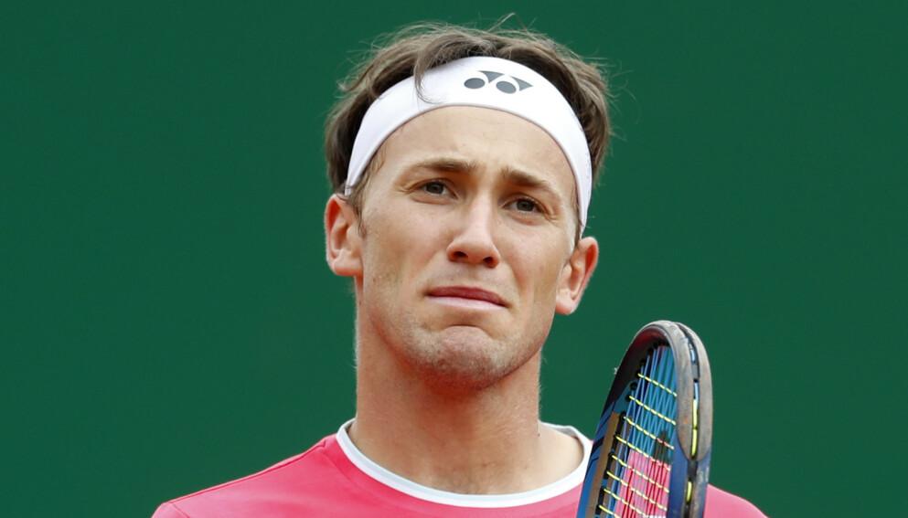 SOLID: Casper Ruud spilte solid tennis mot Andrey Rublev, men måtte se seg slått til slutt. Foto: AP Photo/Jean-Francois Badias