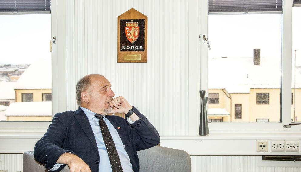 - JEG HAR DET BRA, ALTSÅ: Rune Rafaelsen slutter etter fem år som ordfører i Sør-Varanger kommune. Nå forteller han om dramaet i kulissene. Her fotografert på ordførerkontoret sitt i 2018. Foto: Hans Arne Vedlog / Dagbladet