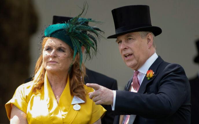 EKSER: Sarah og Andrew i forbindelse med Royal Ascot i 2019. Foto: Shutterstock / NTB