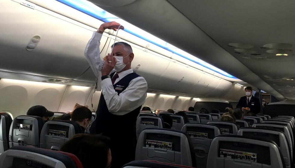 FLYSMITTE: 47 personer ble smittet på et fly fra India til Hongkong. Dette bildet er fra et annet fly. Foto: NTB