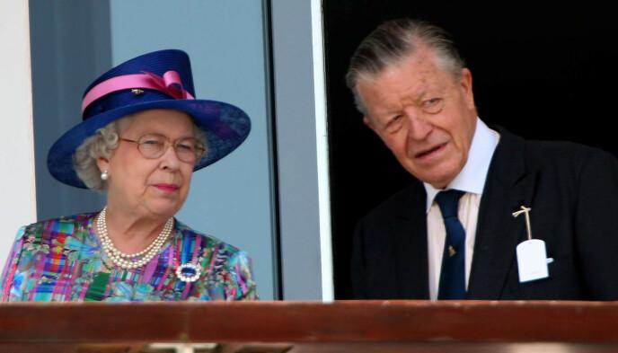 ELSKET HESTER: Hesteinteressen brakte dronning Elizabeth og Sir Michael Oswald sammen. Her under et race i 2007. Foto: Chris Radburn/Pa Photos/NTB