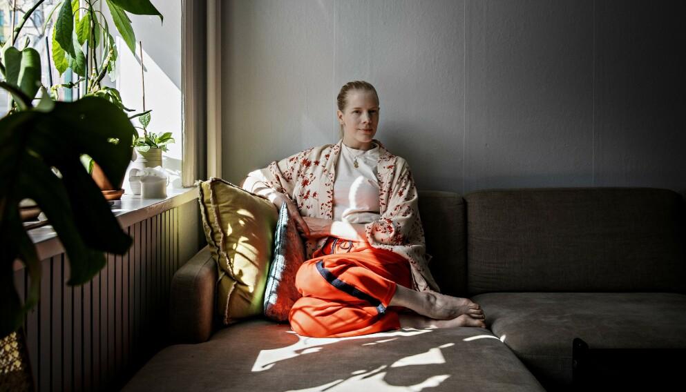FALLER: - Jeg faller for mennesker, og mennesker er ikke enten eller, sier musiker og forfatter Sandra Kolstad.