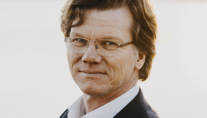 STÅLE DINGSTAD: Litteraturprofessor ved Universitetet i Oslo. Foto: DREYER FORLAG