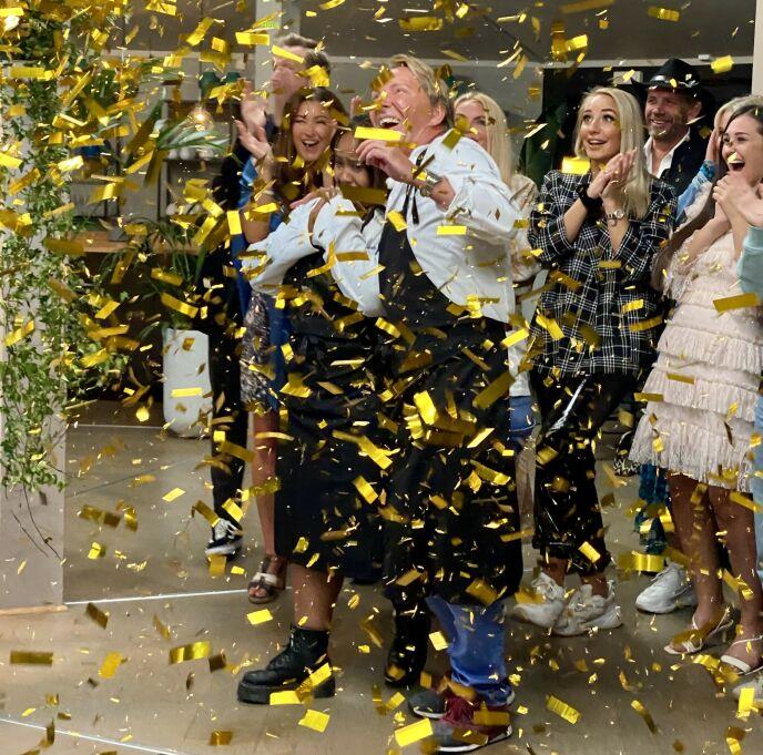 VINNER: Etter å ha imponert på kjøkkenet i seks uker, vant Fetisha finalen mot Terje onsdag kveld. Foto: TV3
