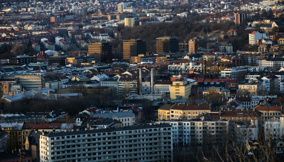 HJEMME: I forrige uke ble registrert 1128 smittetilfeller i Oslo. De fleste blir smittet i egen husstand.Foto: Berit Roald / NTB