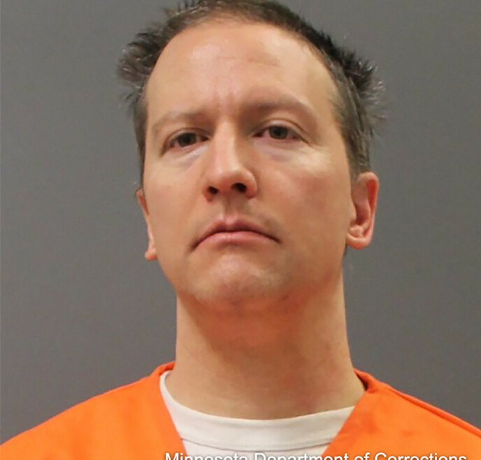 DRAPSDØMT: En jury fant Derek Chauvin skyldig i drap på George Floyd. Kort tid seinere ble han avbildet i oransje drakt. Foto: Handout / Minnesota Department of Corrections / AFP