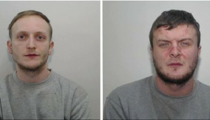 Vita: Zach Bolland (L) e David Worrall sono stati condannati a due volte l'ergastolo per omicidio.  Foto: polizia di Manchester