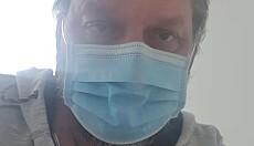- BRUK MUNNBIND: Erfaringene med coronasykdommen har skremt Øystein. Han oppfordrer alle om å følge smittevernanbefalingene. Foto: Privat.