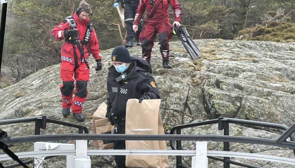 AKSJON: Redningsselskapet og mannskapet om bord på redningsskøyta Inge Steensland i Arendal bisto politiet etter funnet av levningene. Foto: Torjus Sundsdal / Redningsselskapet