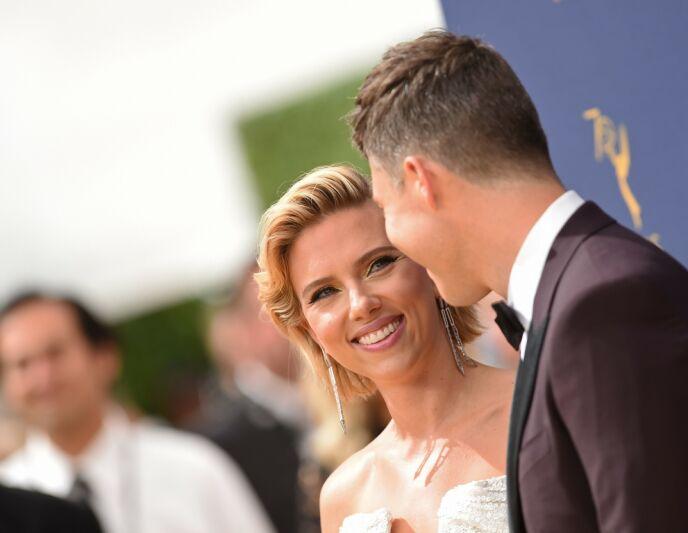 PRIVAT PAR: Scarlett Johansson og Colin Jost på Emmy Awards-løperen i 2018. Foto: Valerie Macon/ AFP/ NTB