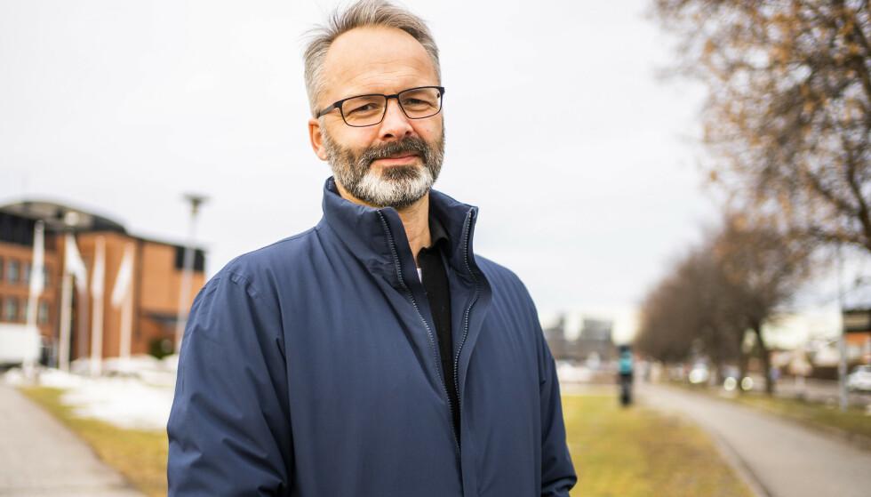 MÅ HOLDE STENGT: Lillestrøm-ordfører Jørgen Vik (Ap) ved Lillestrøm rådhus. Foto: Håkon Mosvold Larsen / NTB
