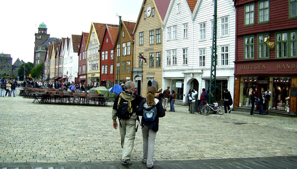 GÅR LENGER: Det har lenge vært politisk flertall i Bergen for å løfte frem flere kvinner og oppkalle flere gater og offentlige plasser etter kvinner. Nå går vi enda lenger, skriver innsenderen. Foto: Berit Keilen / NTB