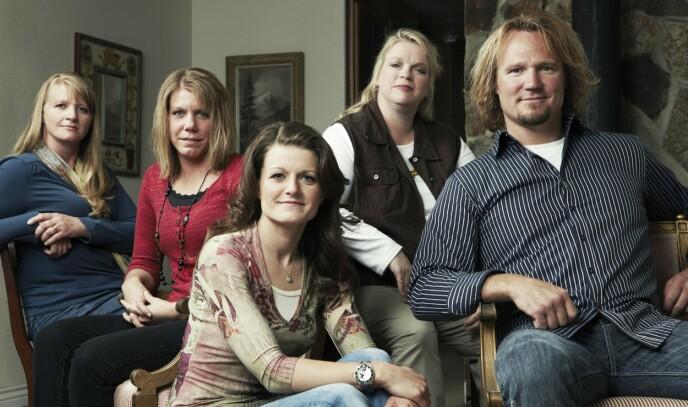 «SISTER WIVES»: Kody Brown nøyde seg ikke bare med én kone - han ville ha tre til. Her er han avbildet med alle fire i 2010. Foto: Puddle Monkey Prods / Kobal / REX / NTB