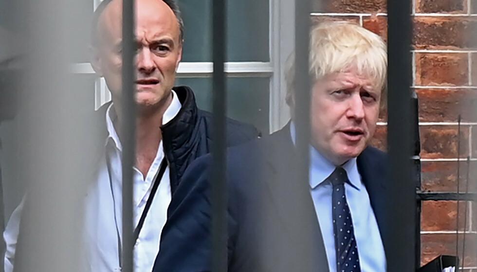 SLÅR TILBAKE: Den britiske statsministerens omstridte rådgiver forlot angivelig Downing Street 10 for siste gang i november i fjor, men nå slår han kraftig tilbake mot nye anklager. Foto: Daniel Leal-Olivas / AFP / NTB