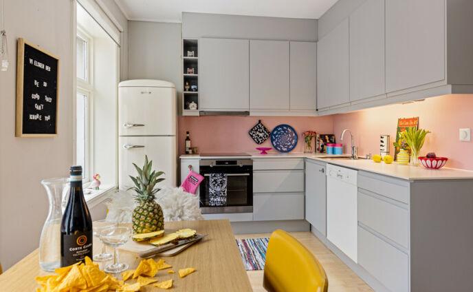 KJØKKEN: Trine Lise Olsen selger leiligheten og blir samboer. Foto: Lasse Lerdahl / Privatmegleren