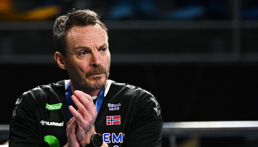 ORDKNAPP: Christian Berge ville ikke svare på mange spørsmål rundt OL. Han har fullt fokus på EM-kvalifiseringen. Foto: Anne-Christine POUJOULAT / POOL / AFP)