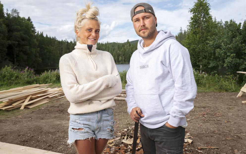 GODE VENNER: Wiktoria Rønning og Kjetil Kirk ble raskt en god duo da de var med på «Farmen» i 2020. Her er de avbildet inne på gården. Foto: Espen Solli / TV 2