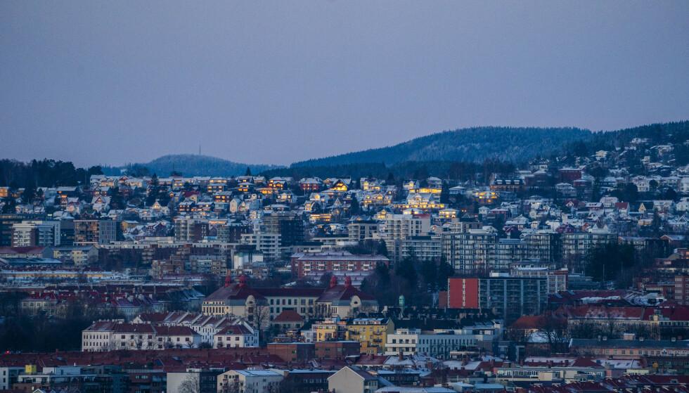 ÅPNES GRADVIS: Lockdown-Oslo startet den gradvise gjenåpningen tirsdag. Blant annet er forbudet mot besøk av mer enn to personer fjernet. Foto: Håkon Mosvold Larsen / NTB