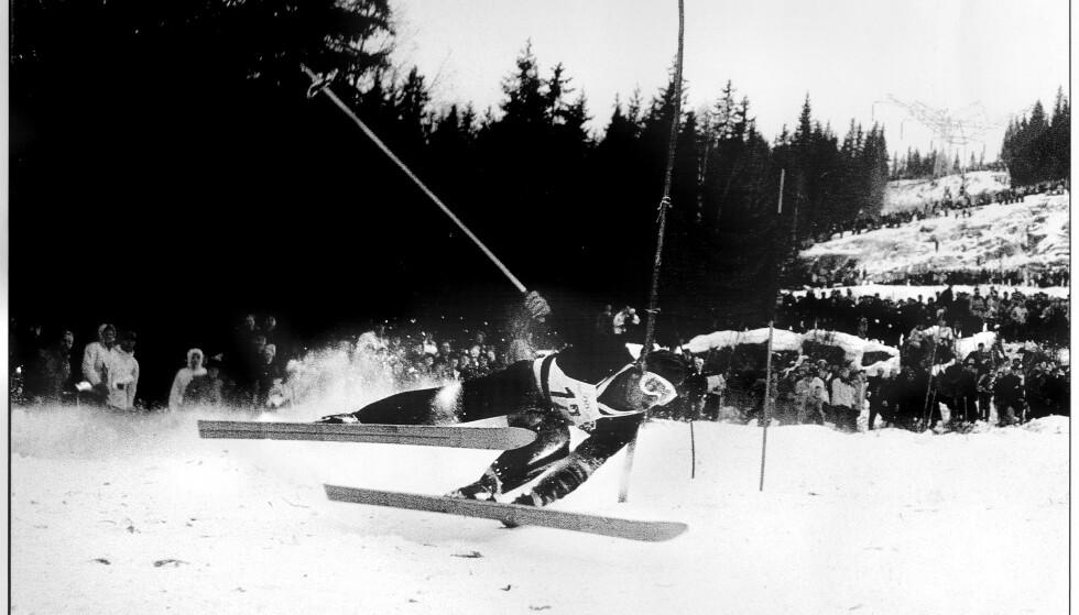 MINNERIKT: Stein Eriksen på Norefjell under OL i 1952. Storslalåm. Foto: Johan Brun/Dagbladet