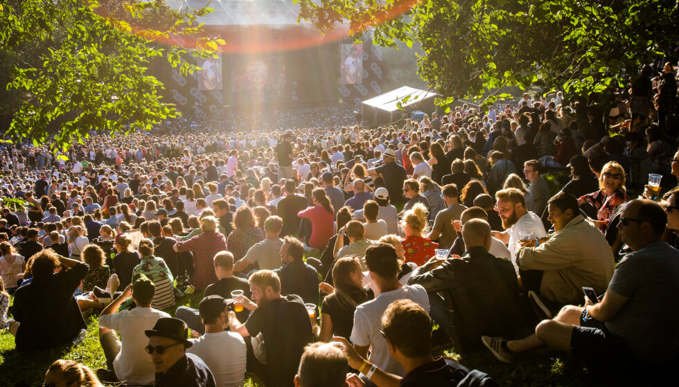 SOMMERBILDER: Mange lengter etter en skikkelig sommerfestival. Her fra Øyafestivalen i Tøyenparken i Oslo i 2017. Foto: Audun Braastad / NTB