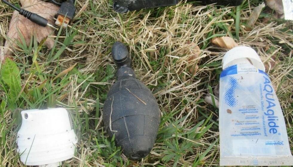 FUNN: Bombegruppa ble innkalt da en jogger gjorde dette funnet i en skog nær byen Passau i Bayern i Tyskland. Foto: Polizei Hauzenberg