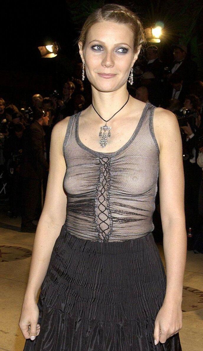 UTEN BH: Da skuespilleren dukket opp på Oscar-gallaen i 2002, var det uten BH. Foto: Richard Young / REX / NTB