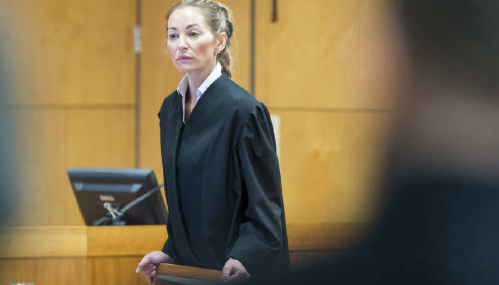 BISTAND: Advokat Ida Andenæs i retten. Foto: Heiko Junge / NTB