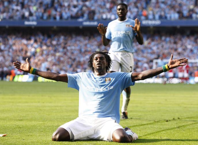 UPOPULÆR: Manchester Citys Emmanuel Adebayor feiret foran Arsenal-fansen i 2009. Det falt ikke i god jord. Foto: NTB