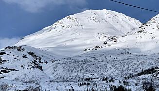 HER GIKK SKREDET: Snøskredet i Lyngen gikk ned fjellet Sofiatinden. Foto: Anne Merete Mikkelsen