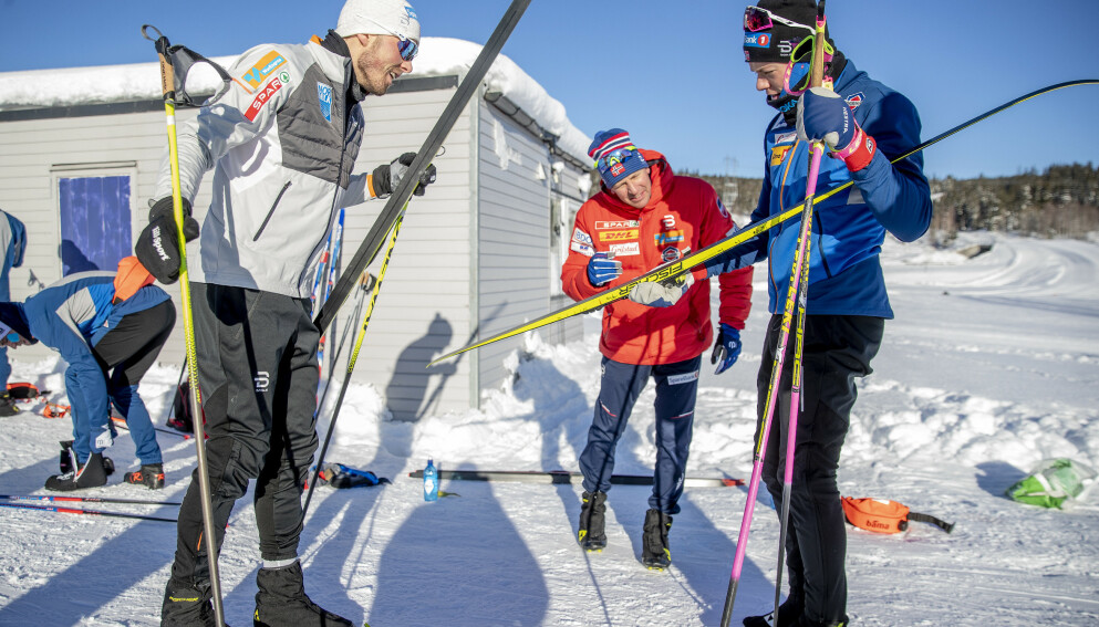 VISER FRAM: Johannes Høsflot Klæbo og Emil Iversen har planlagt to forskjellig løp inn mot OL i Beijing neste vinter. Foto: Bjørn Langsem / Dagbladet