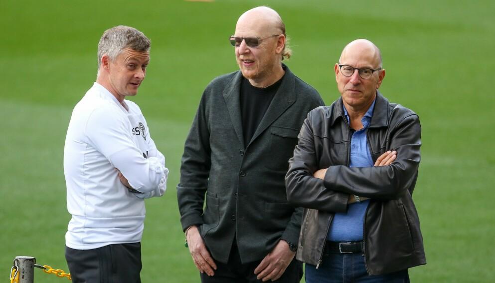 HATET: Ole Gunnar Solskjær sammen med Avram og Joel Glazer før møtet med PSG i Champions League i april 2019. Foto: NTB
