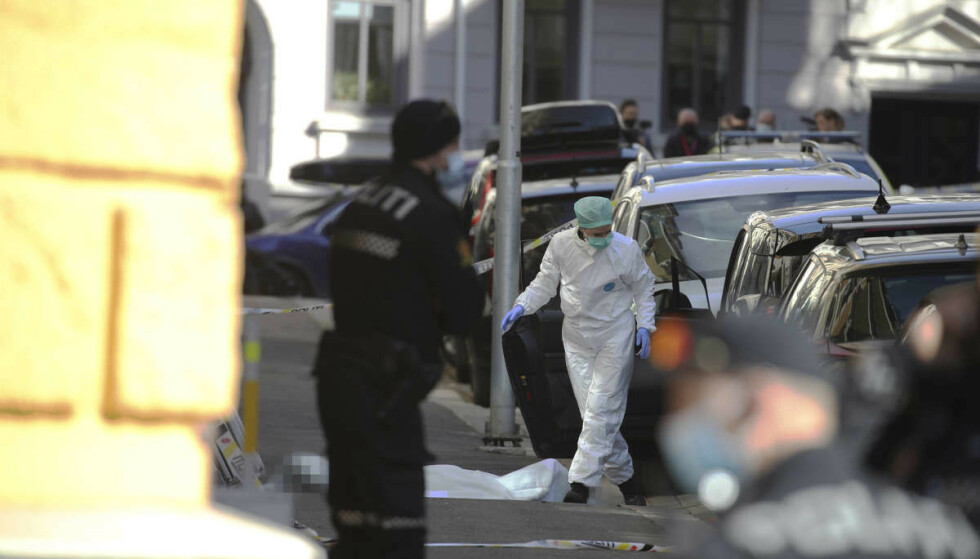 PÅ ÅPEN GATE: Kvinnen ble drept av flere skudd i Tostrups gate på Frogner i Oslo sist onsdag morgen. Foto: Bjørn Langsem / Dagbladet.