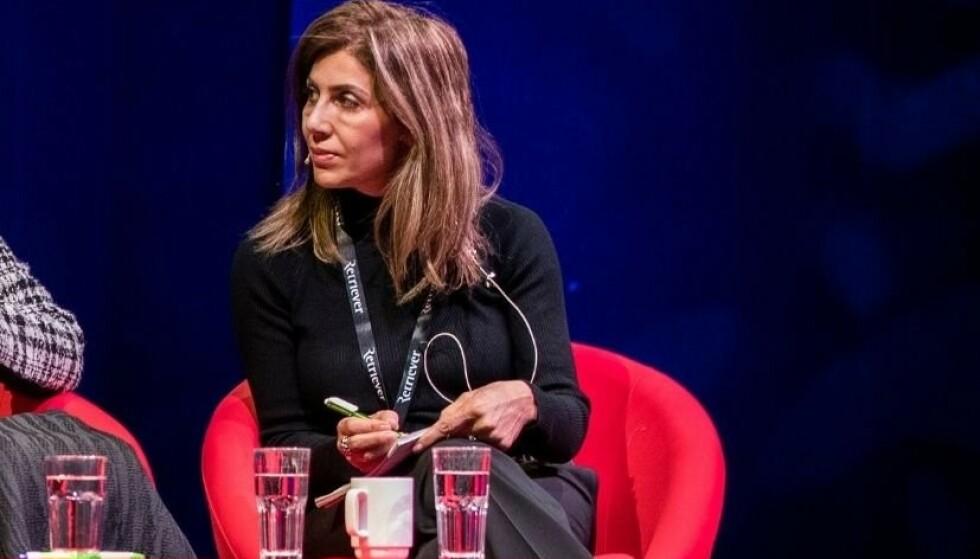 DREPT: Fevzie Kaya Sørbø i tolkeoppdrag på journalistkonferansen SKUP i 2019. Hun vokste opp i Tyrkia. Foto: Berit Roald, NTB.
