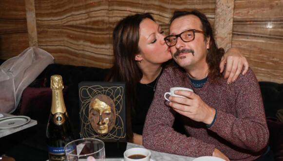 HOTELLFROKOST: Thomas Felberg og samboer Hilde Wahl med frokost med bobler på Grand Hotel. Foto: Morten Eik