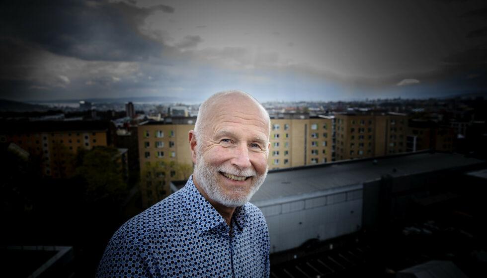 OPTIMISTISK: Helsedirektør Bjørn Guldvog er ganske optimistisk før sommerferien. Foto: Nina Hansen / Dagbladet