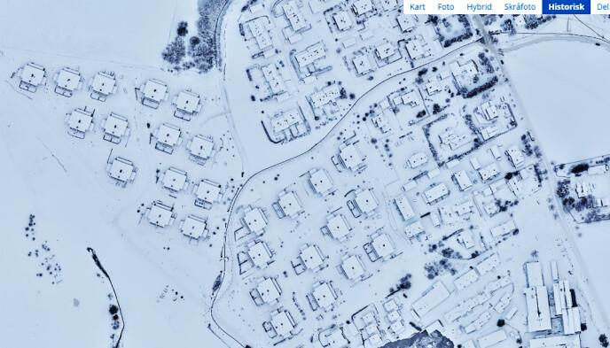 2021: Her er byggefeltene Ingelstun og Viervangen etter skredet som gikk natt til 30. desember 2020. Byggefeltet Nystulia ligger midt på bildet og nedover mot høyre. Øvre raskant ses nederst på bildet. Foto: 1881s karttjeneste