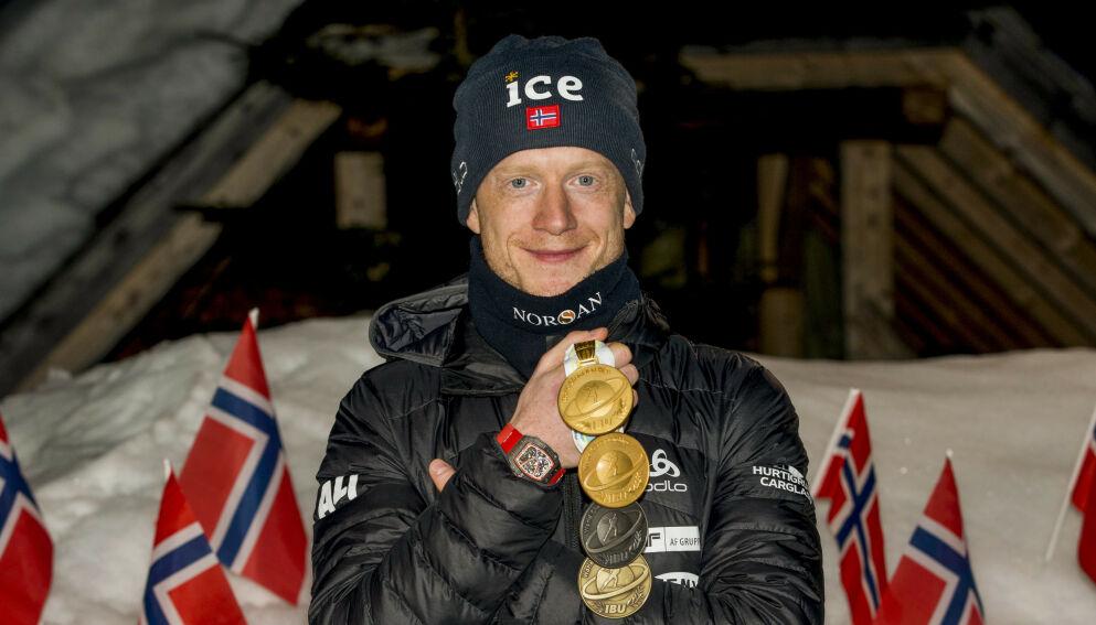 GULL VERDT: Johannes Thingnes Bø er vant til gull, nå får han en gullkantet avtale med YX Norge. Foto: Primoz Lovric / NTB