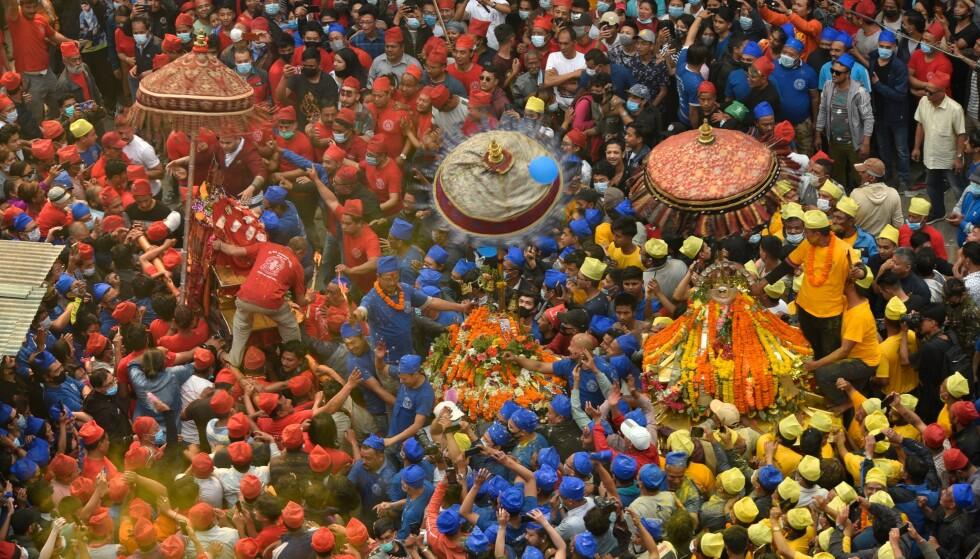 12. APRIL: Feiring av Pahachare Chariot Festival i Katmandu i Nepal. Foto: Narayan Maharjan/NurPhoto/Shutterstock / NTB