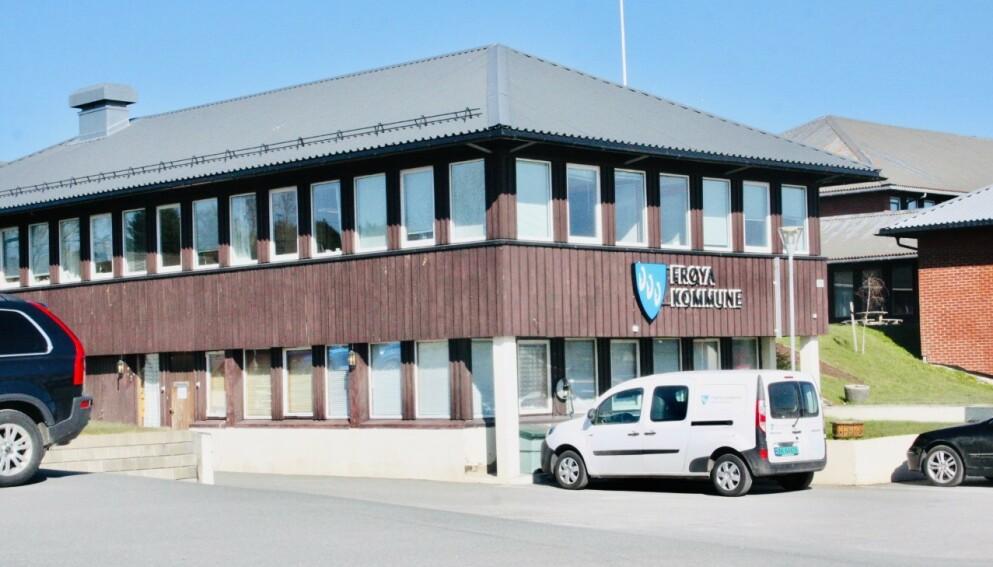 I FULL BEREDSKAP: Frøya kommune har satt beredskapsledelse etter at de ble orientert om brannskadene. Foto: Ronny Teigås